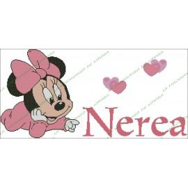 Nombre Minni Bebe con corazones
